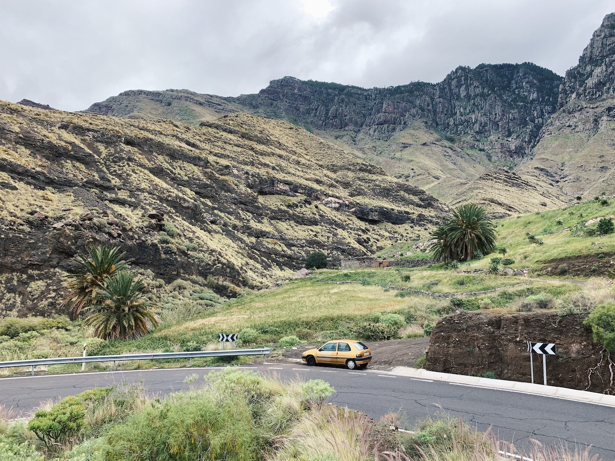 Explore Gran Canaria by car